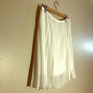 Babaton- Ruffle Skirt